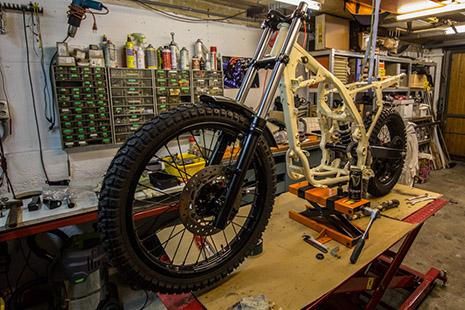 Rahmen mit Gabel und Räder NX 650